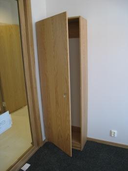 Garderob i kontorsrum