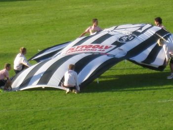 Pampig uppstart på ett derby i Landskrona